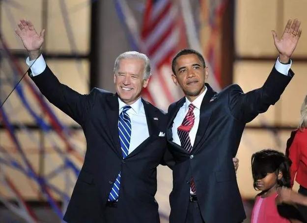 美国总统竞选人拜登与奥巴马